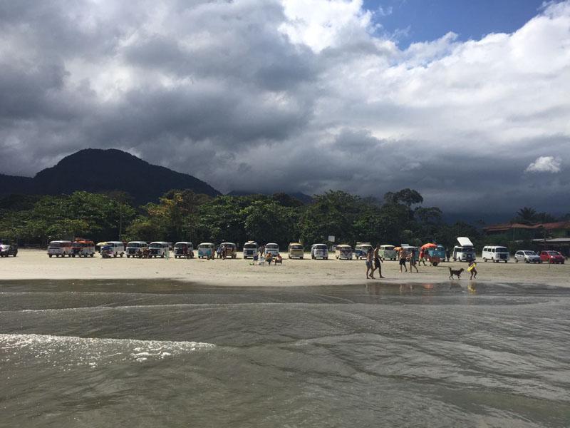 Kombis Na Praia De Ubatumirim