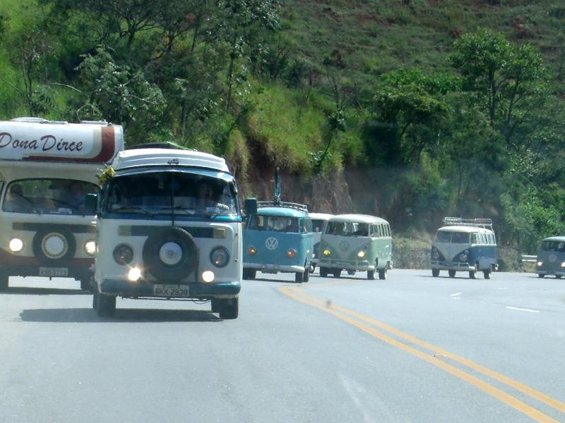 Komboio Na Estrada De Cunha